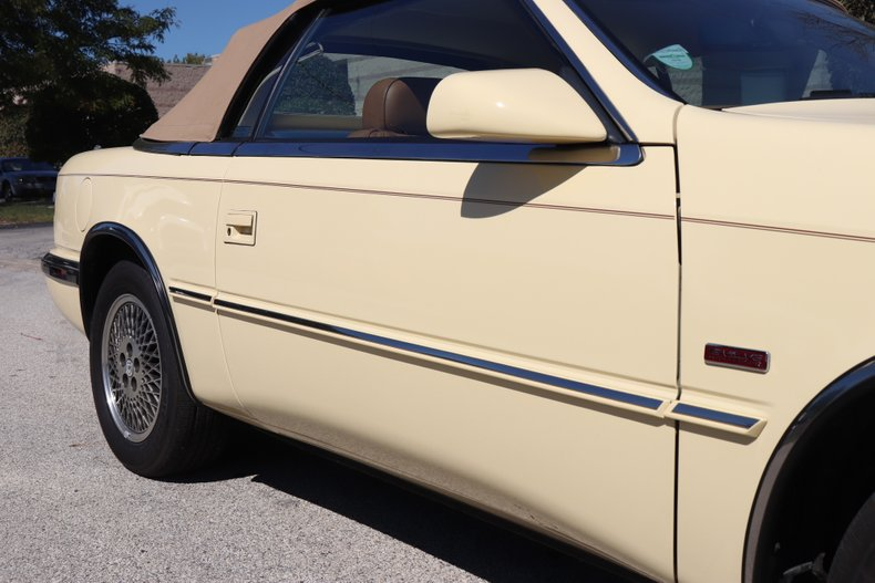 1990 chrysler tc by maserati