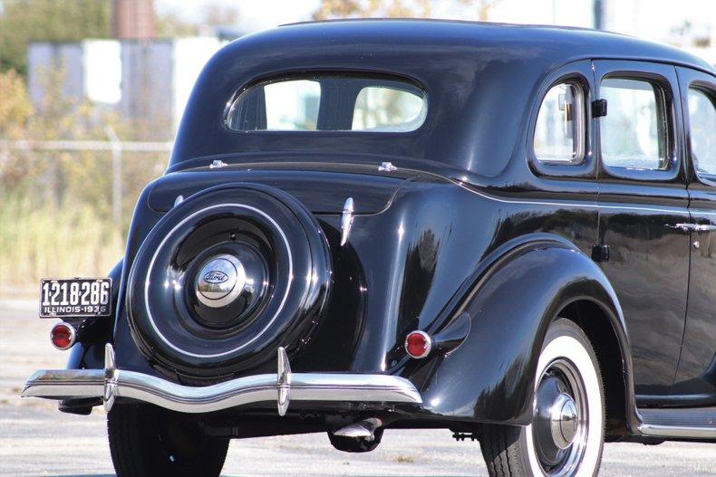 1936 ford deluxe touring sedan