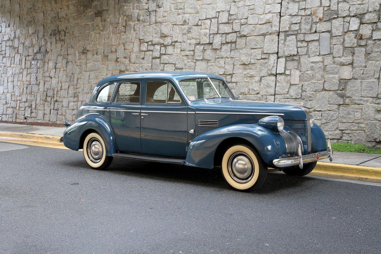 1939 pontiac deluxe eight touring sedan