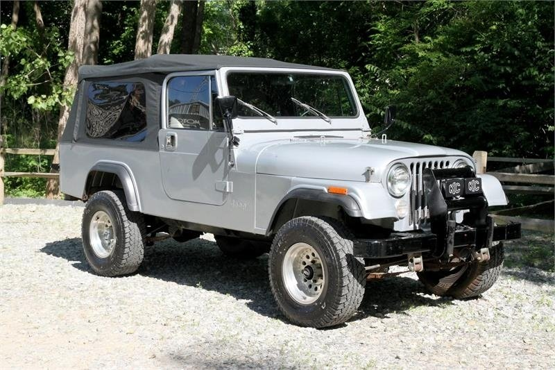 1983 amc scrambler cj8