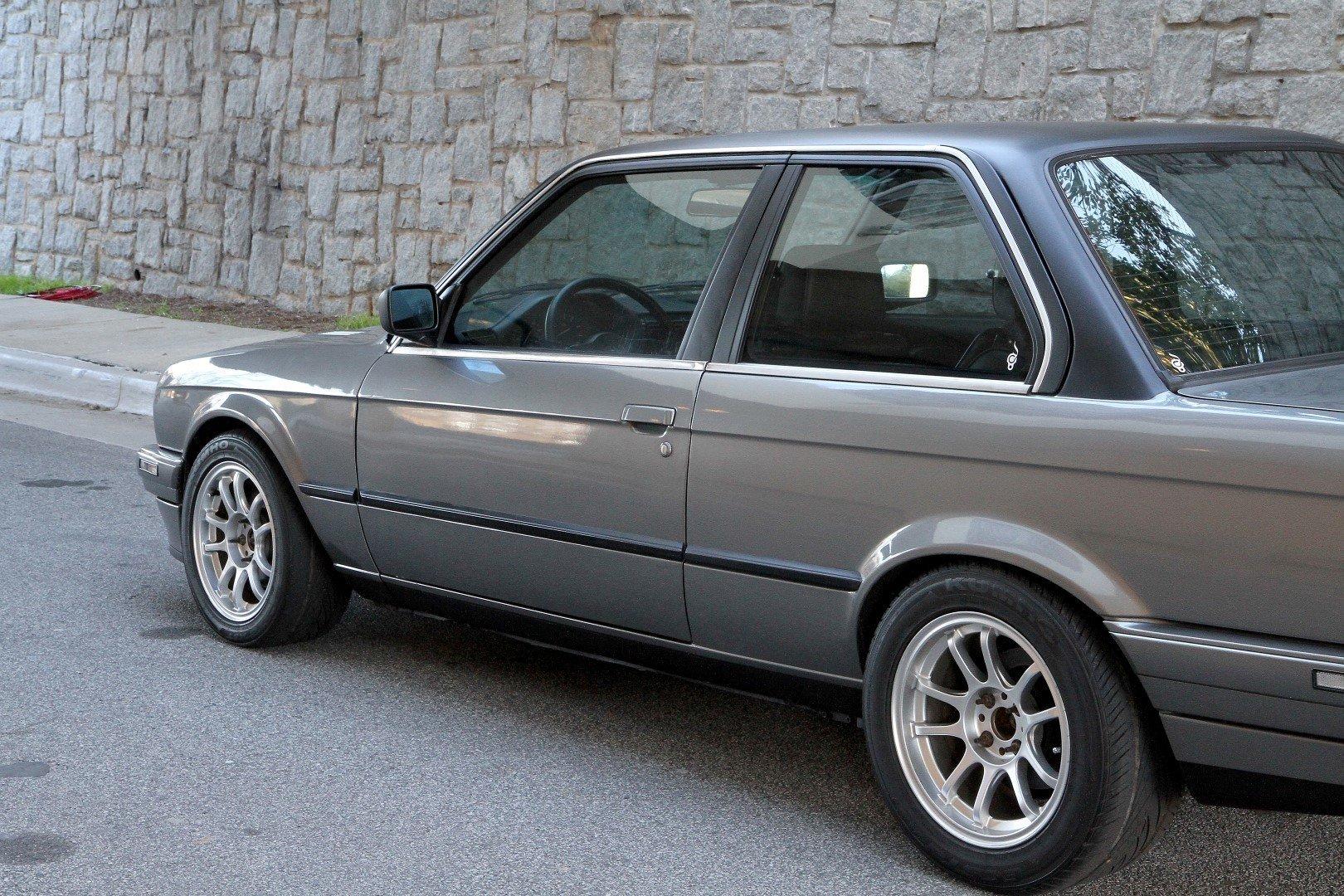 1989 BMW 325i | Berlin Motors