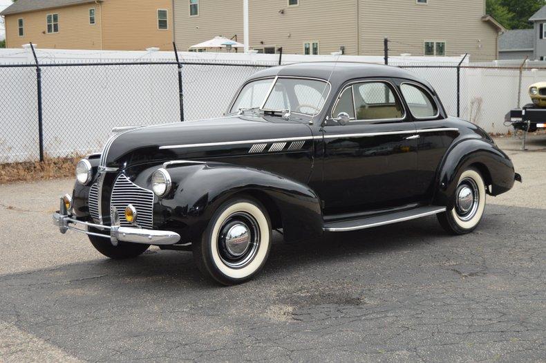 1940 Pontiac De Luxe Six Sport Coupe