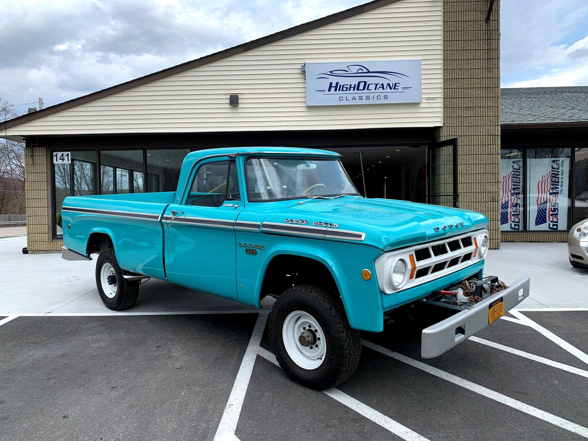 1968 Dodge W200 Pickup