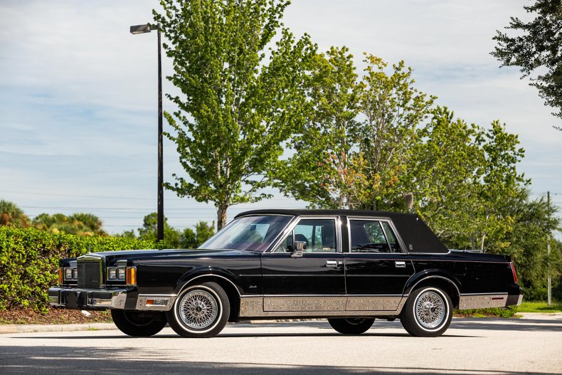 For Sale 1989 Lincoln Town Car