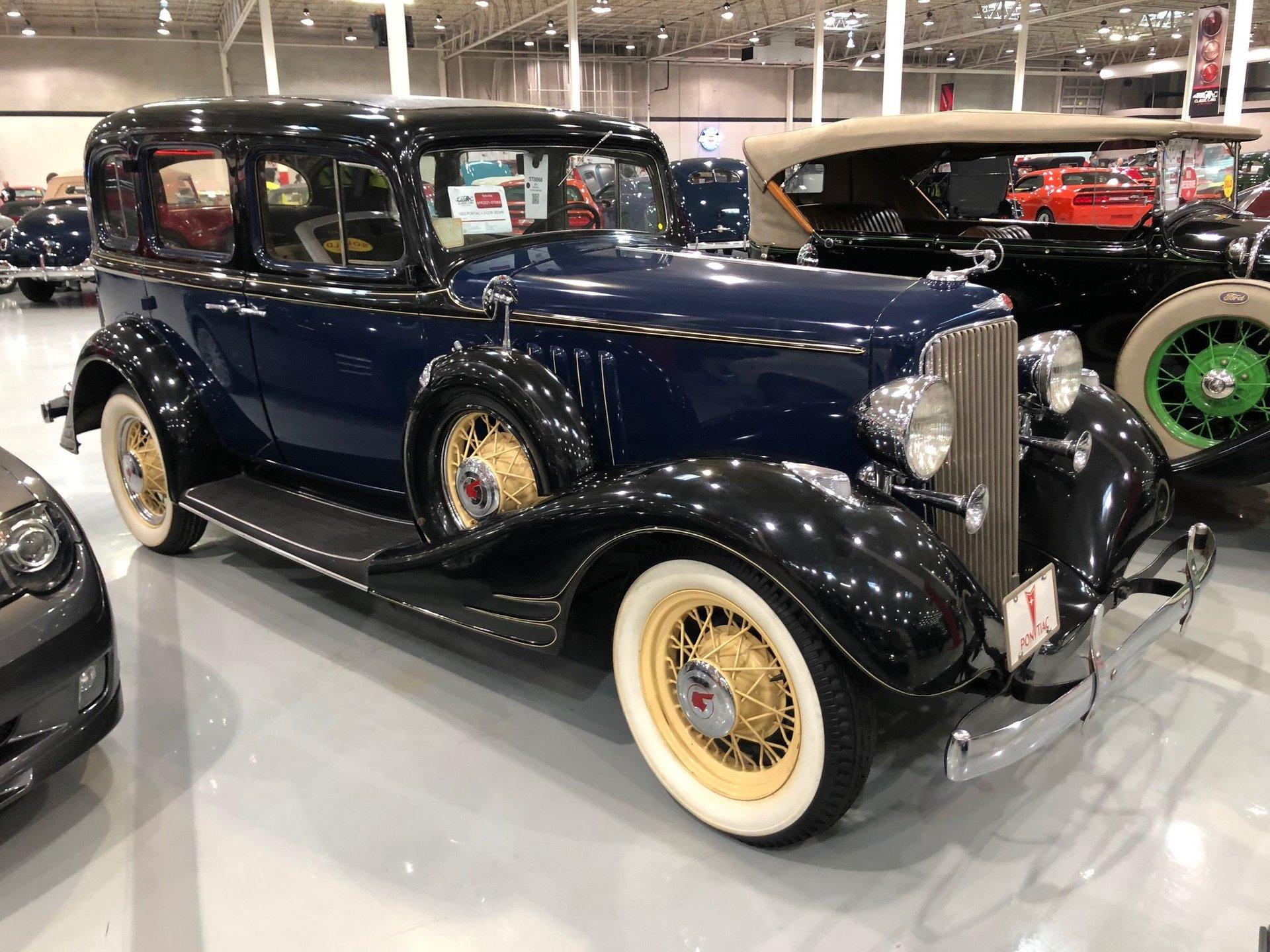 1933 Pontiac Eight