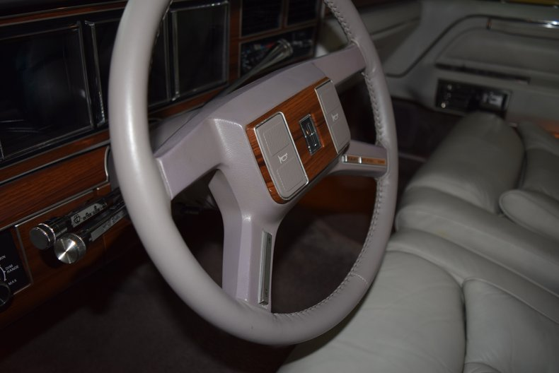 For Sale 1988 Lincoln Town Car
