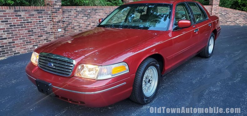 1999 Ford Crown Victoria For Sale 200337 Motorious