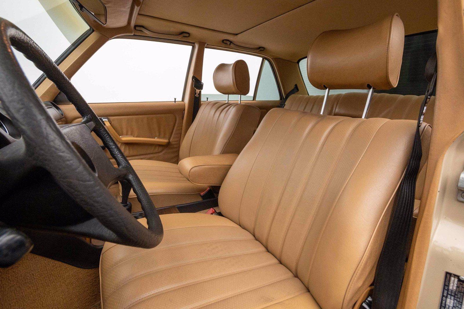 1982 Mercedes-Benz 240D Sedan