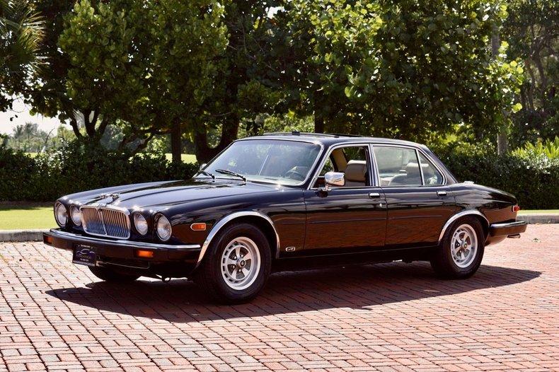 1987 Jaguar XJ12