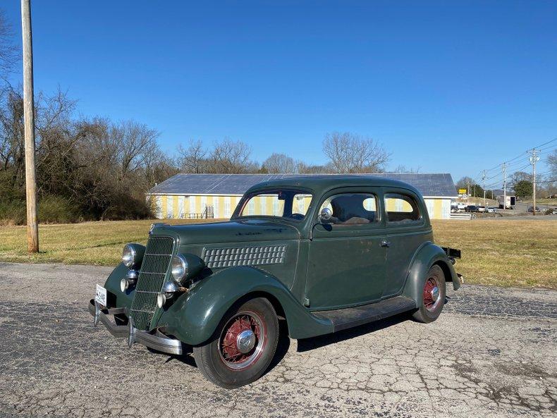1935 Ford Tudor Sedan