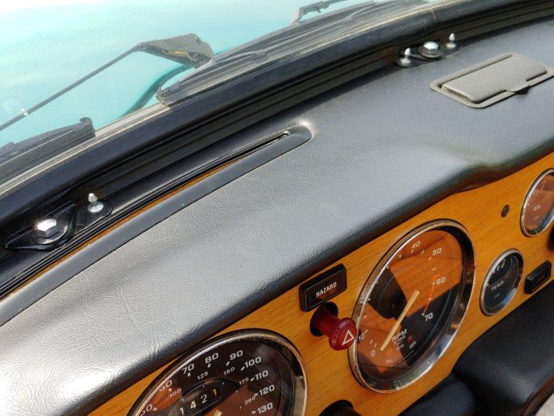 1974 Triumph TR6 25