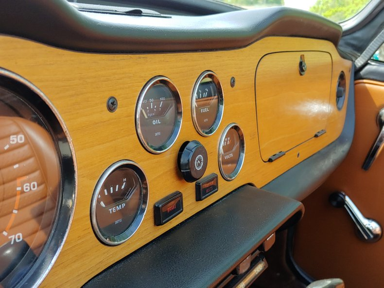 1974 Triumph TR6 28