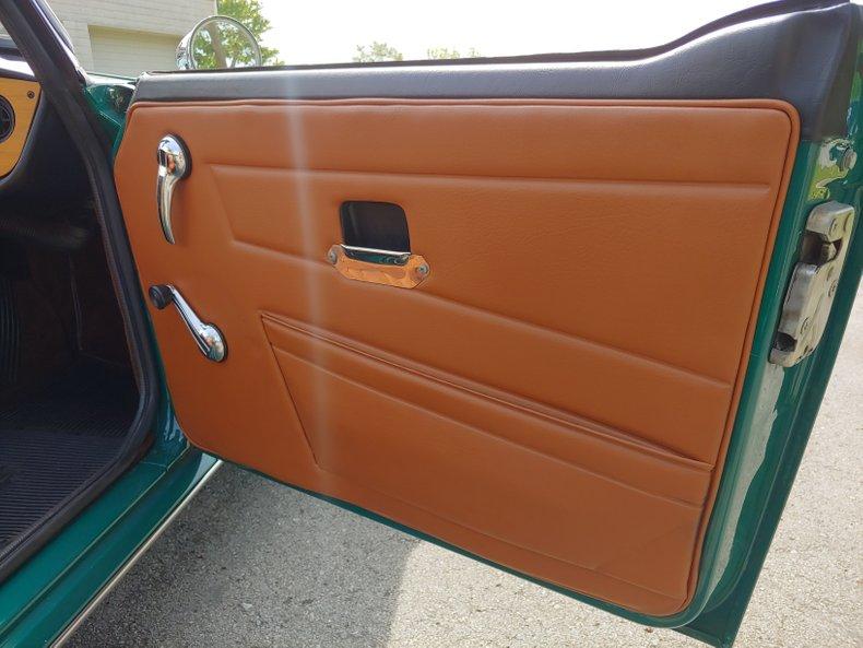 1974 Triumph TR6 34