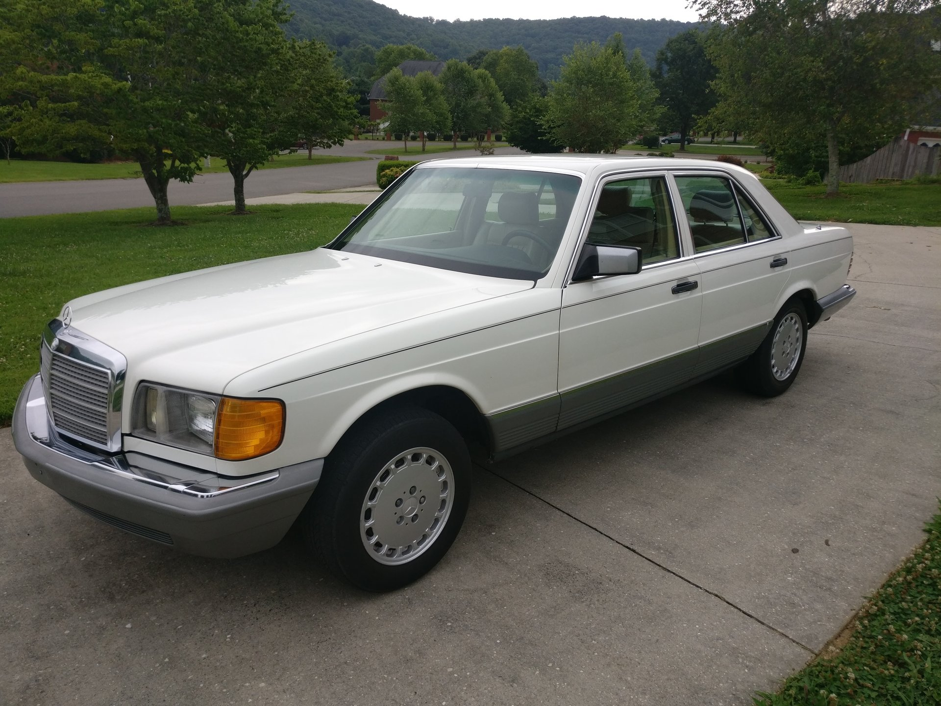1983 mercedes benz 300 series 4dr sedan 300sd
