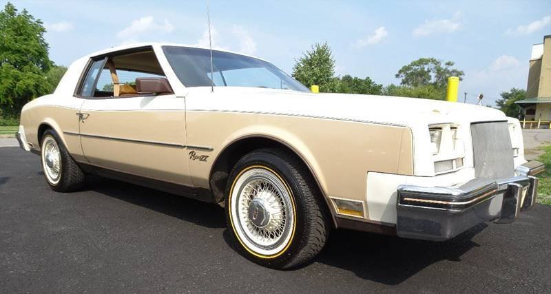 1983 buick riviera xx indy pace car