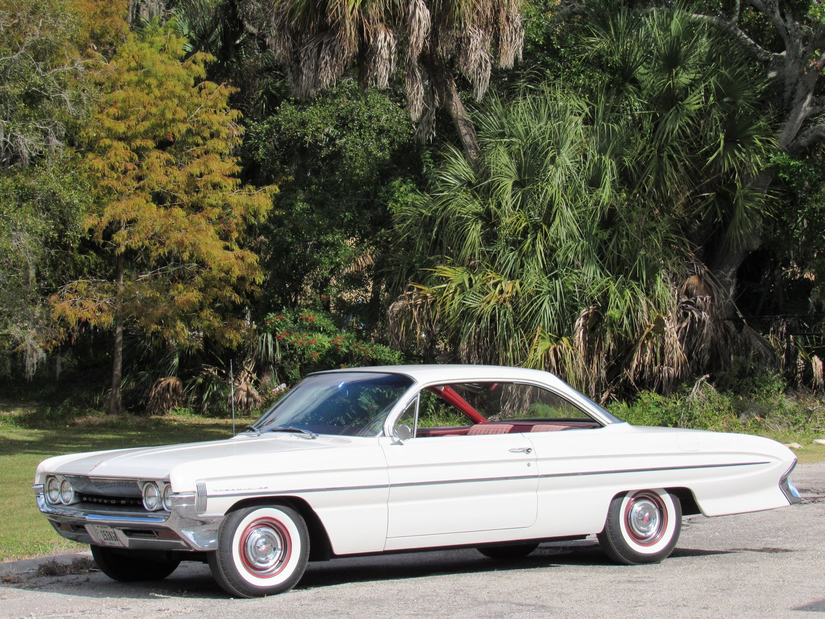 1961 oldsmobile dynamic 88 bubble top coupe