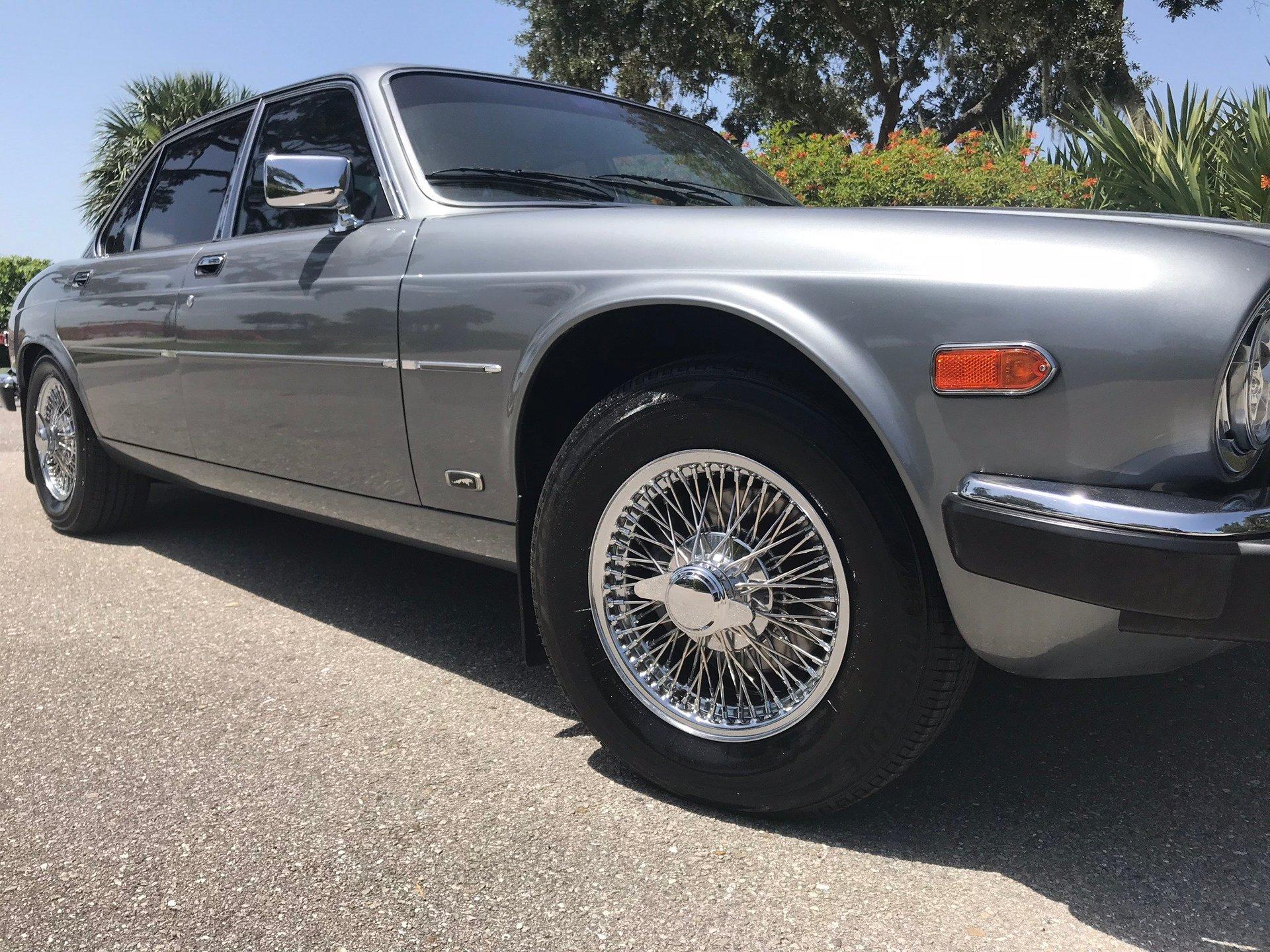 1987 jaguar xj6 sedan