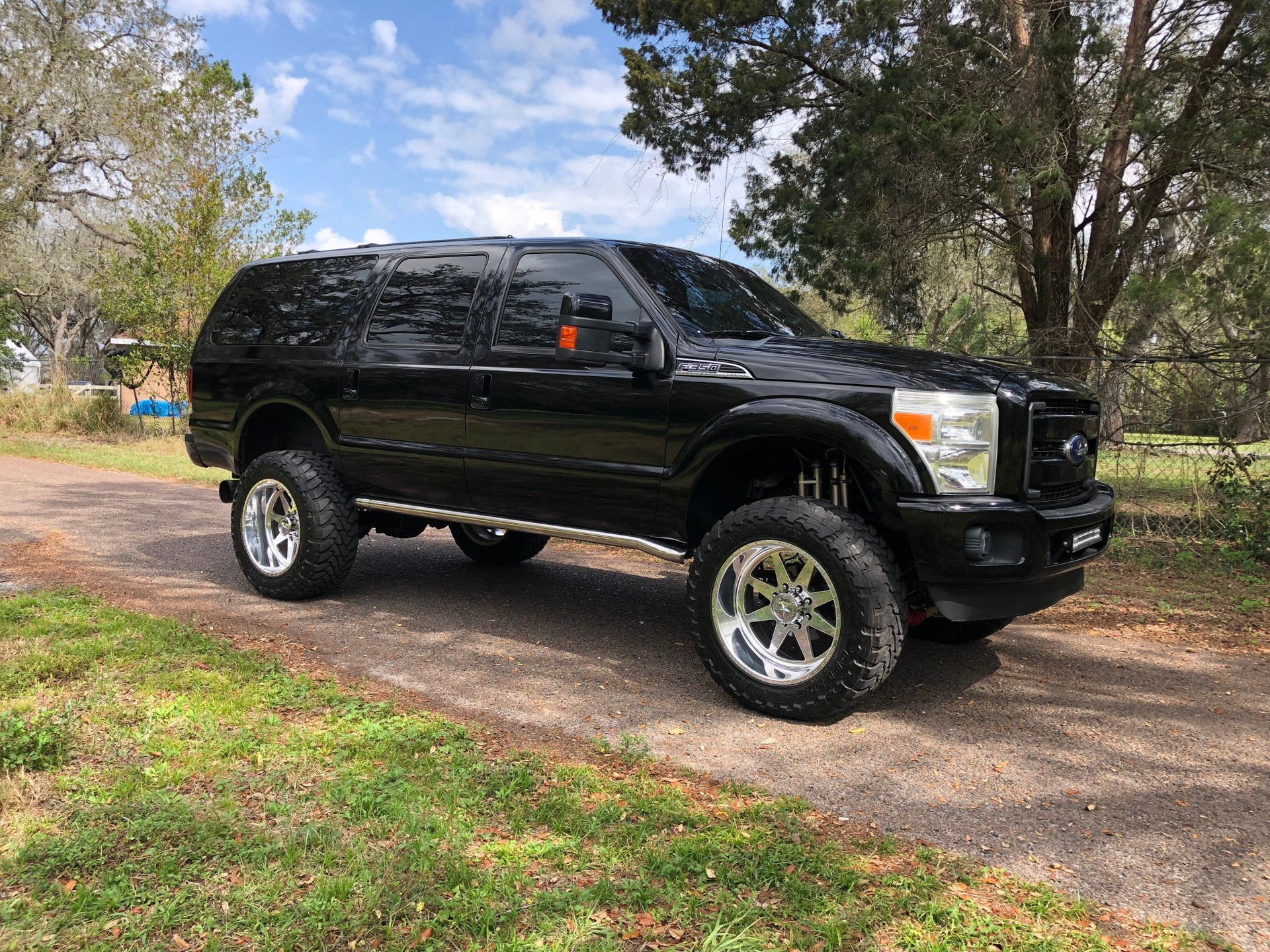 2003 ford excursion custom suv