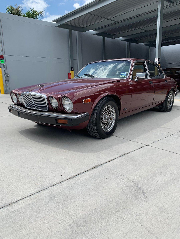 1985 jaguar xj6 vanden plas sedan