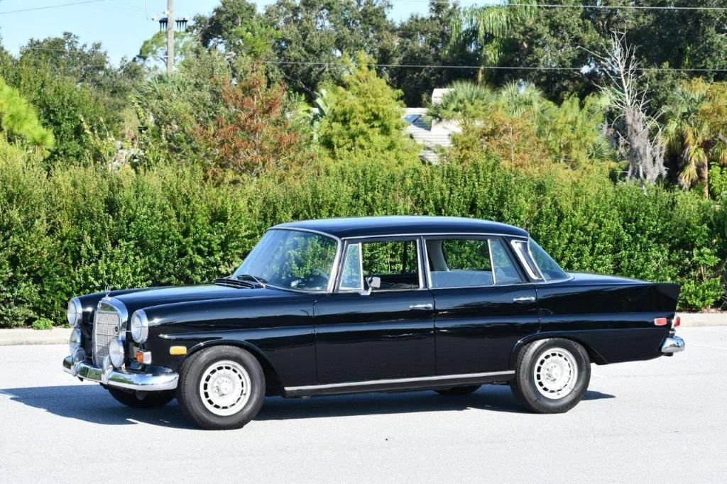 1968 mercedes benz 230 four door sedan