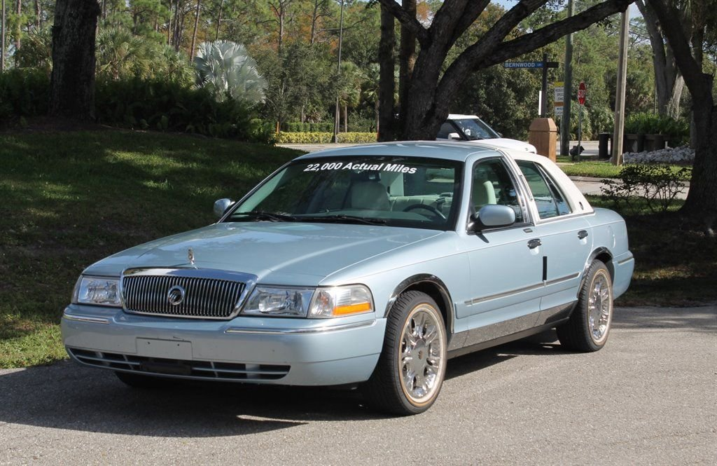 2003 mercury grand marquis sedan