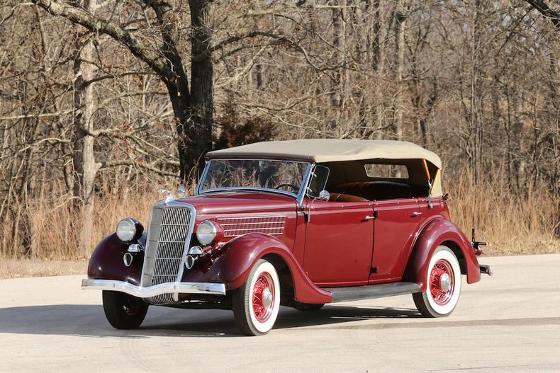 1935 Ford Model 68