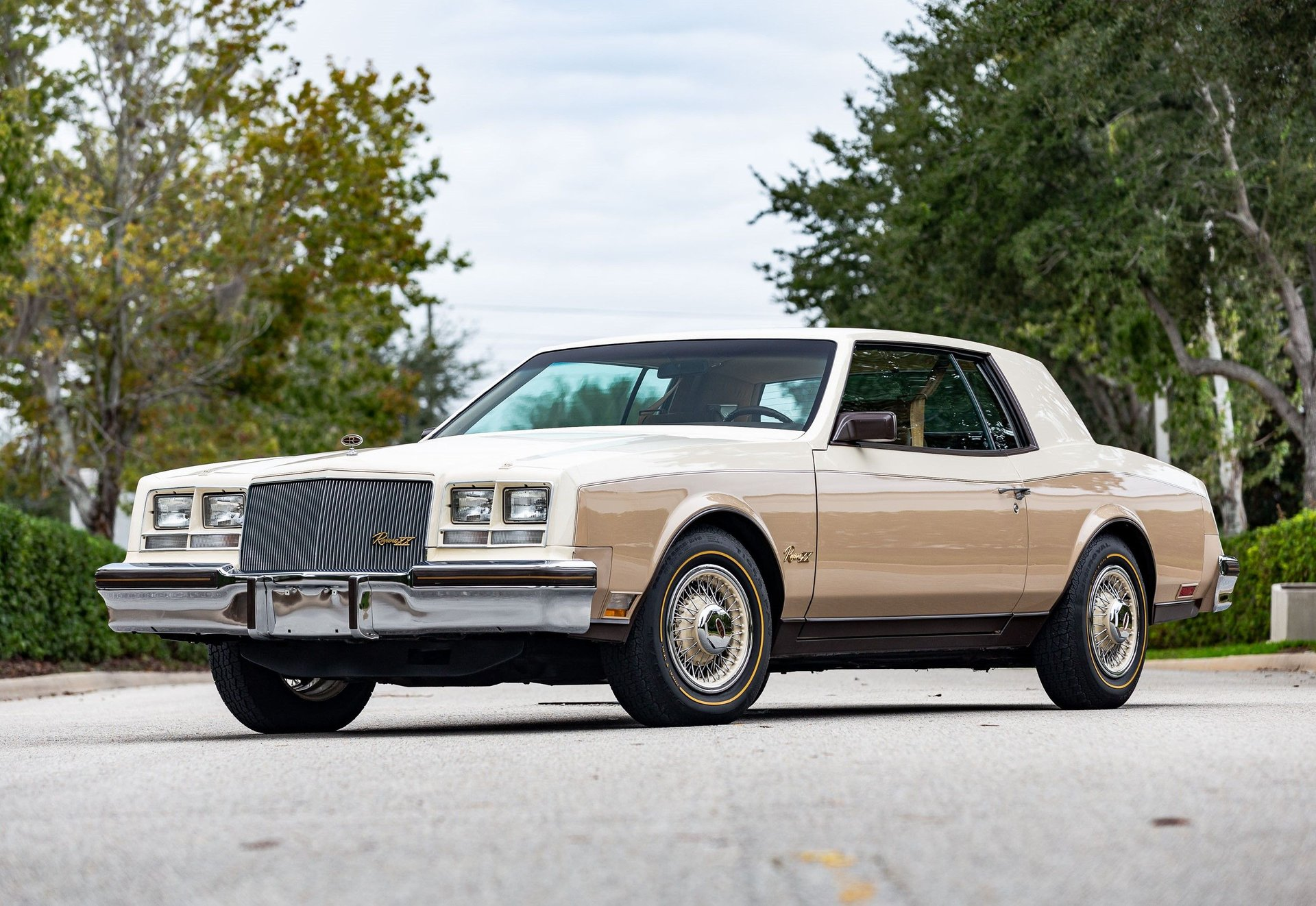 1983 buick riviera xx anniversary edition