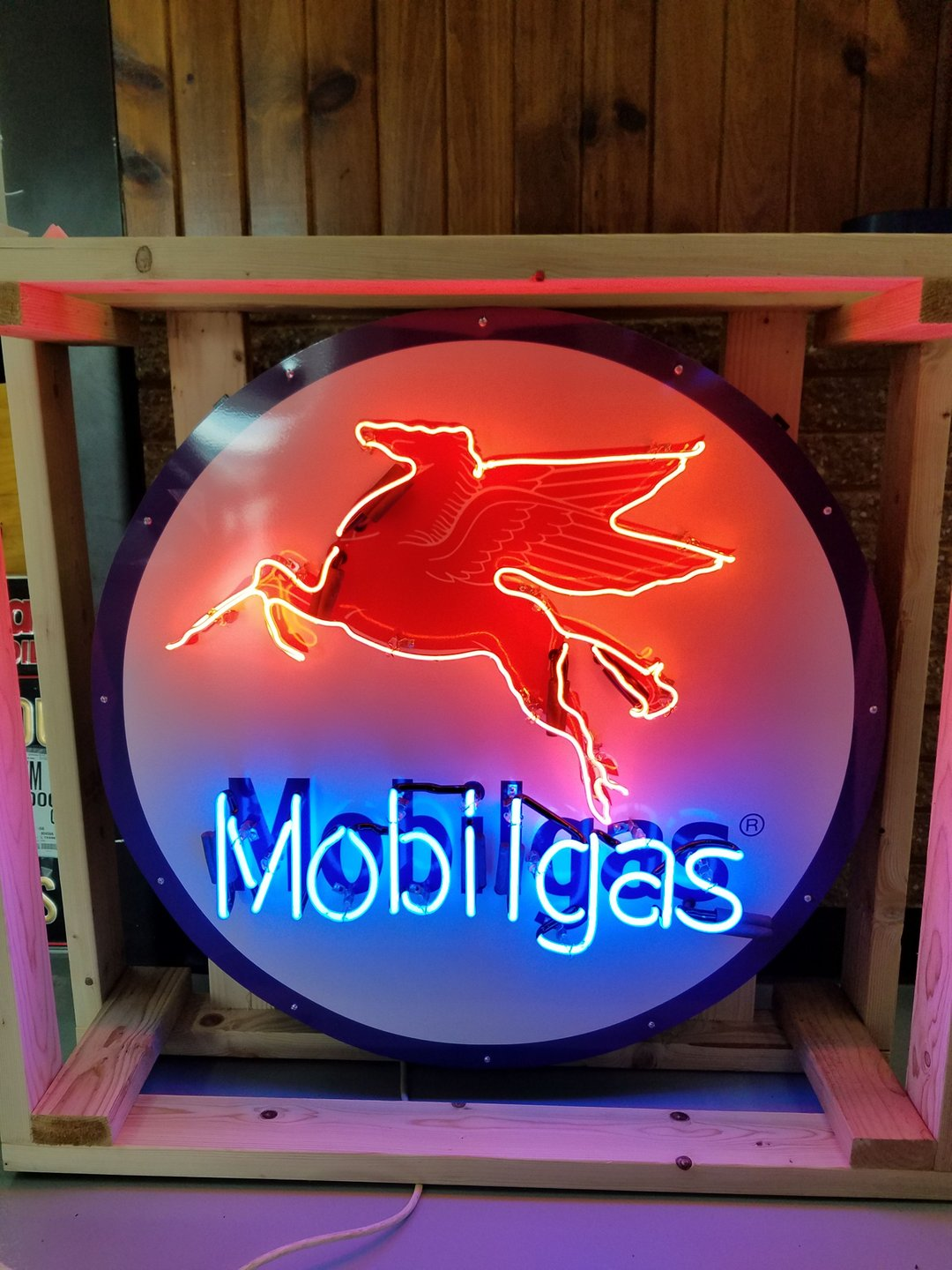 Mobilgas tin neon sign