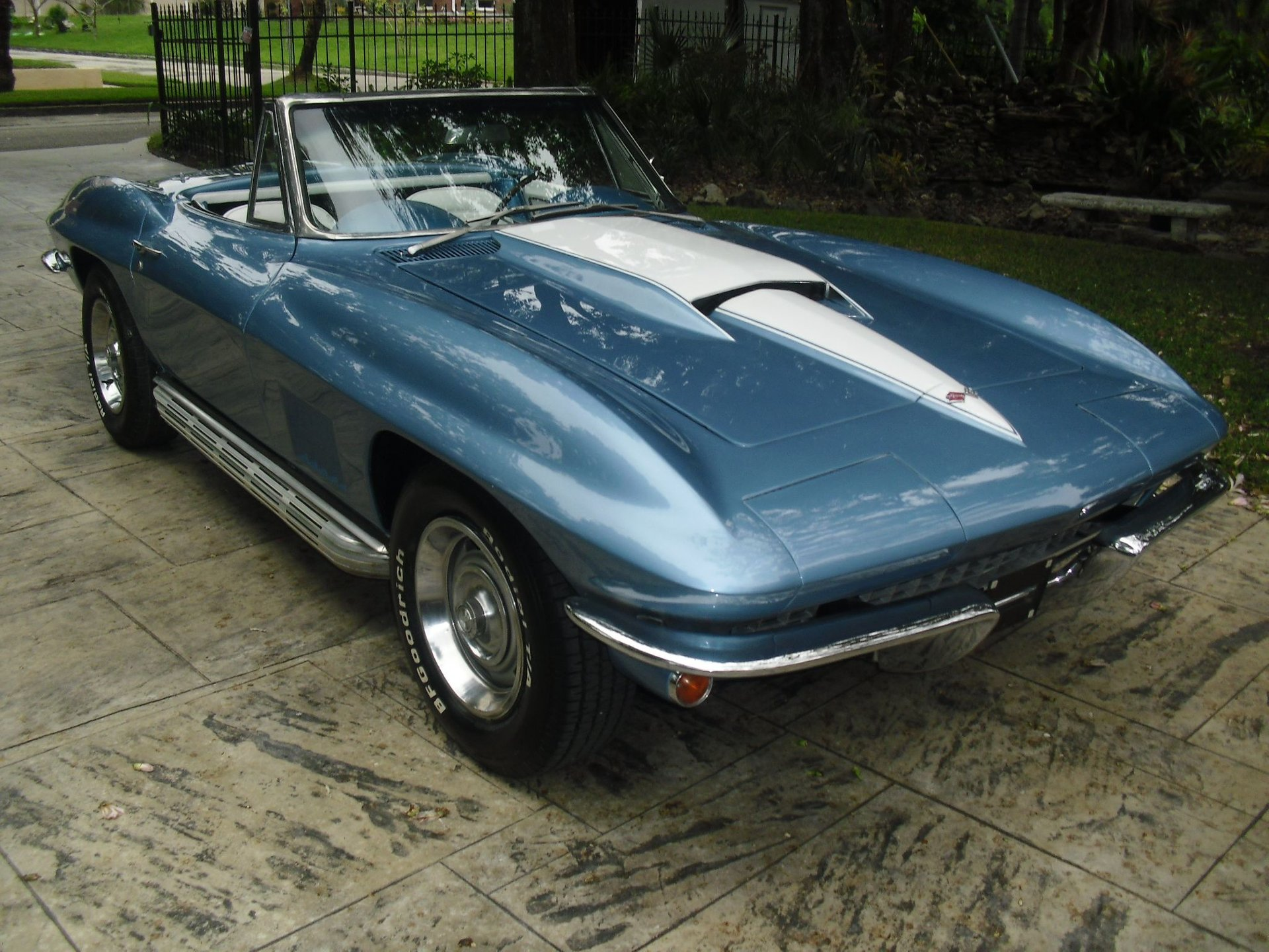 1967 chevrolet corvette convertible