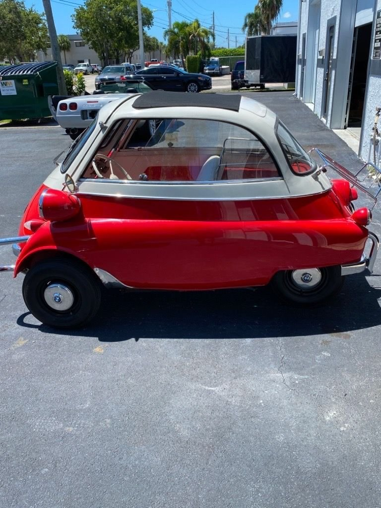 1957 bmw isetta coupe