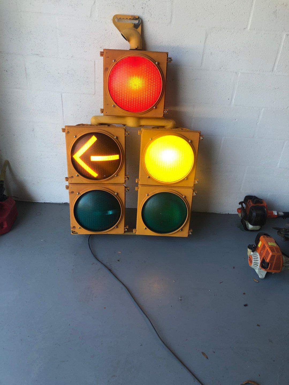 Lane specific traffic light