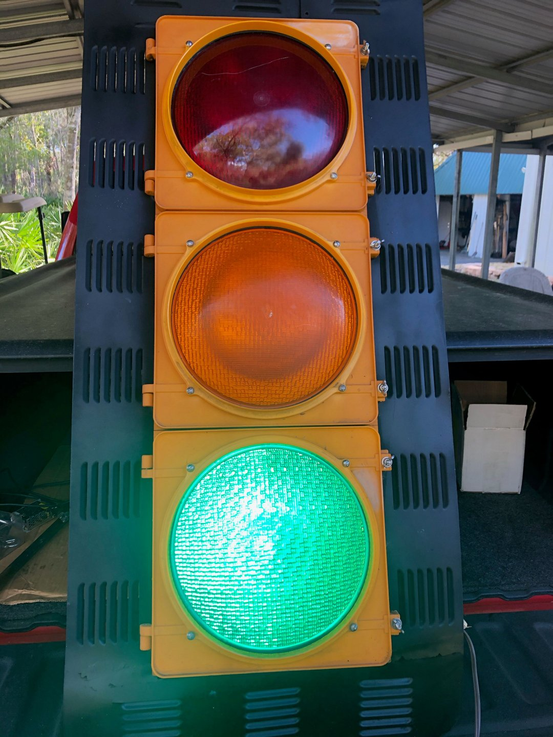 Cluster traffic light