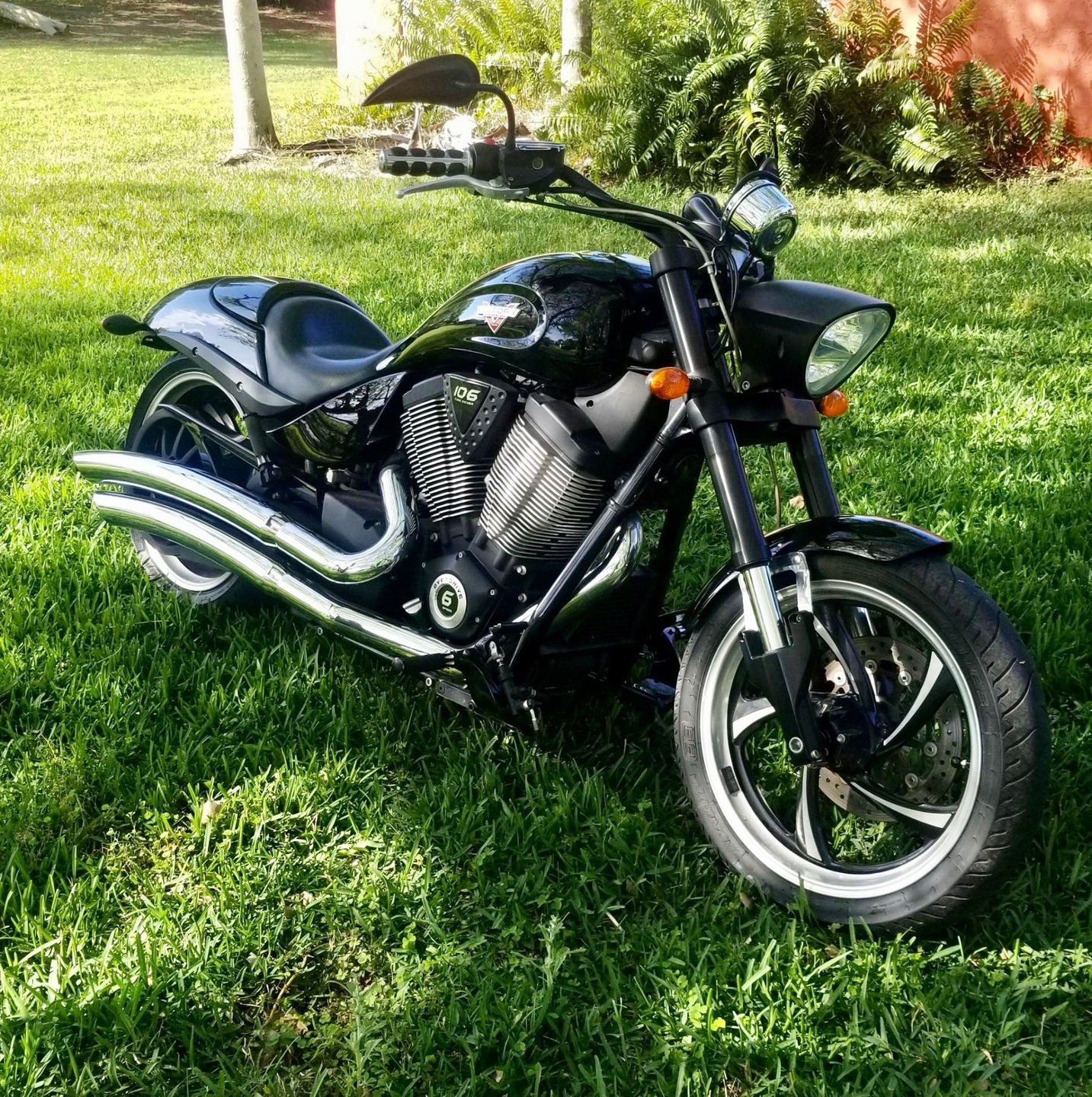 2013 victory hammer 8 ball motorcycle