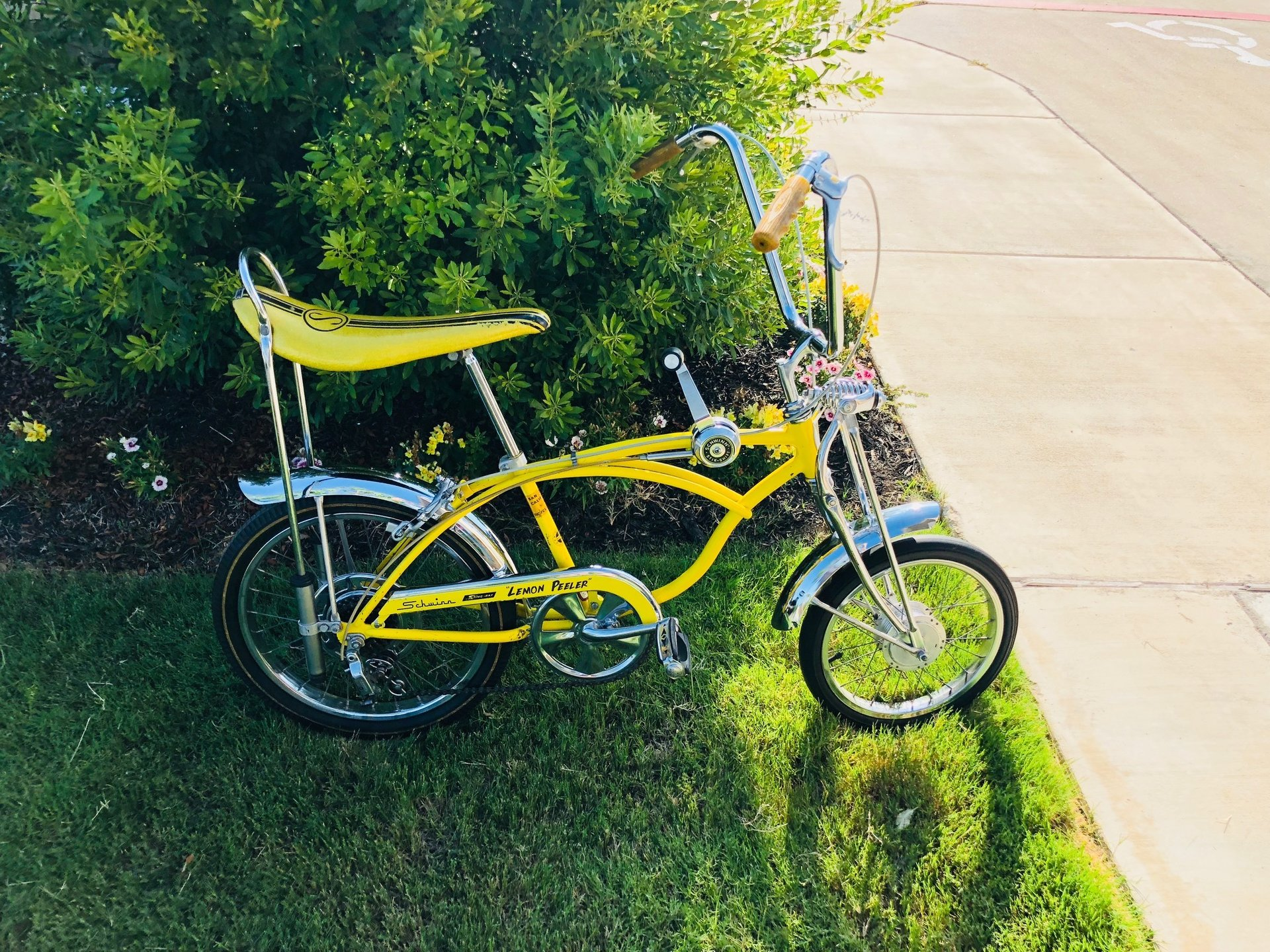 1969 schwinn lemon peeler bicycle