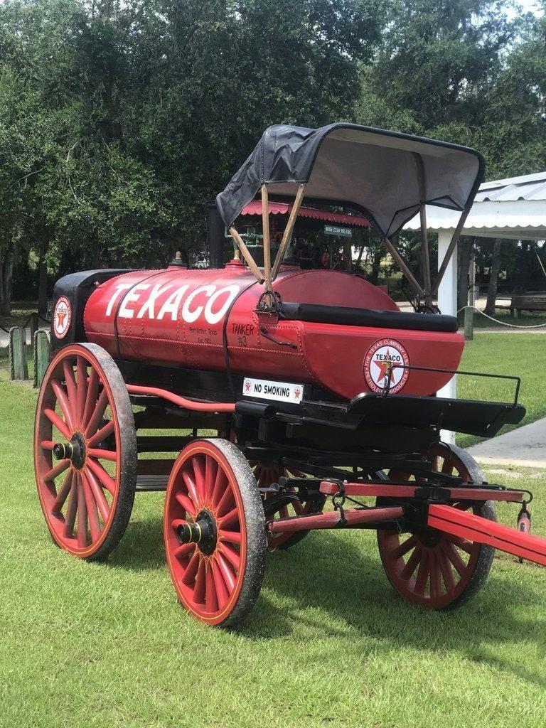 1903 studebaker texaco horse drawn tanker