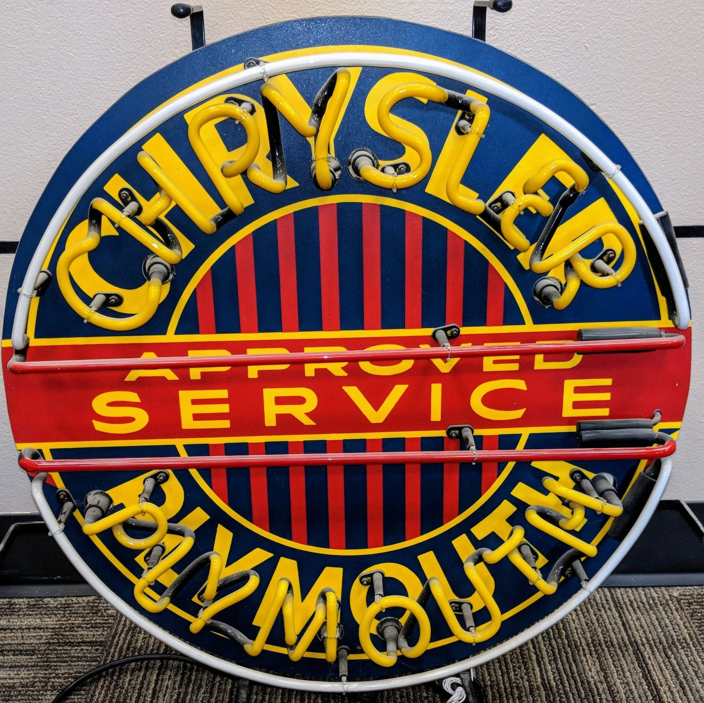 Chrysler plymouth service neon sign