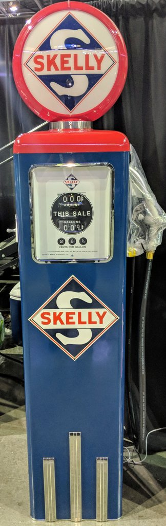 Skelly Gas Pump