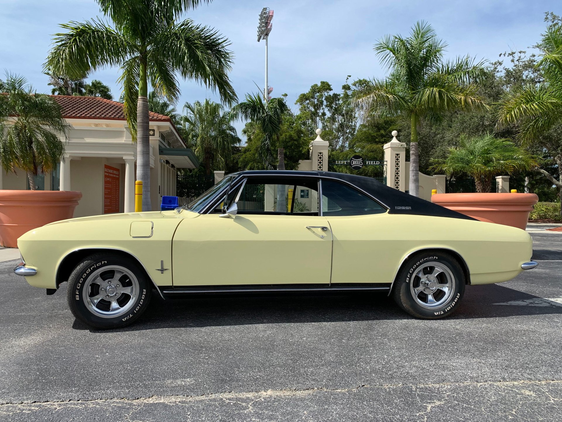 1965 chevrolet corvair sprint coupe