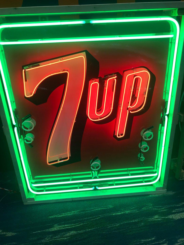 Neon 7 up