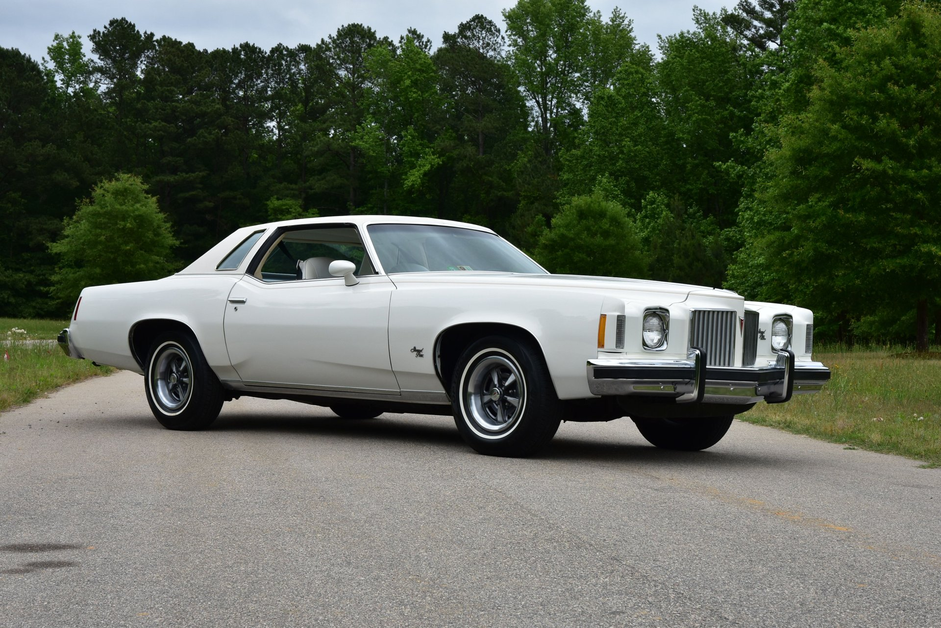 Auction 1974 Pontiac Grand Prix