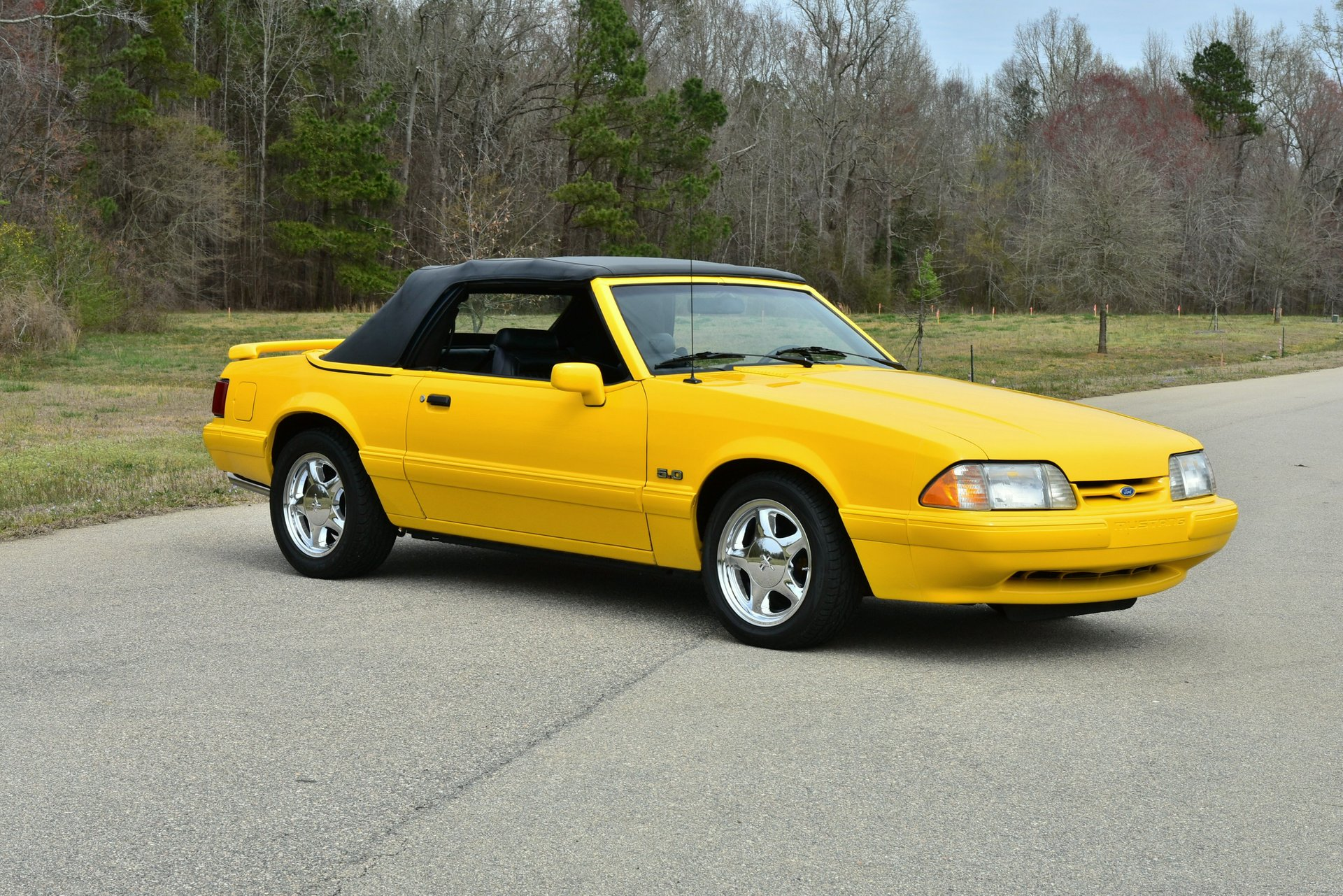 Auction 1993 Ford Mustang