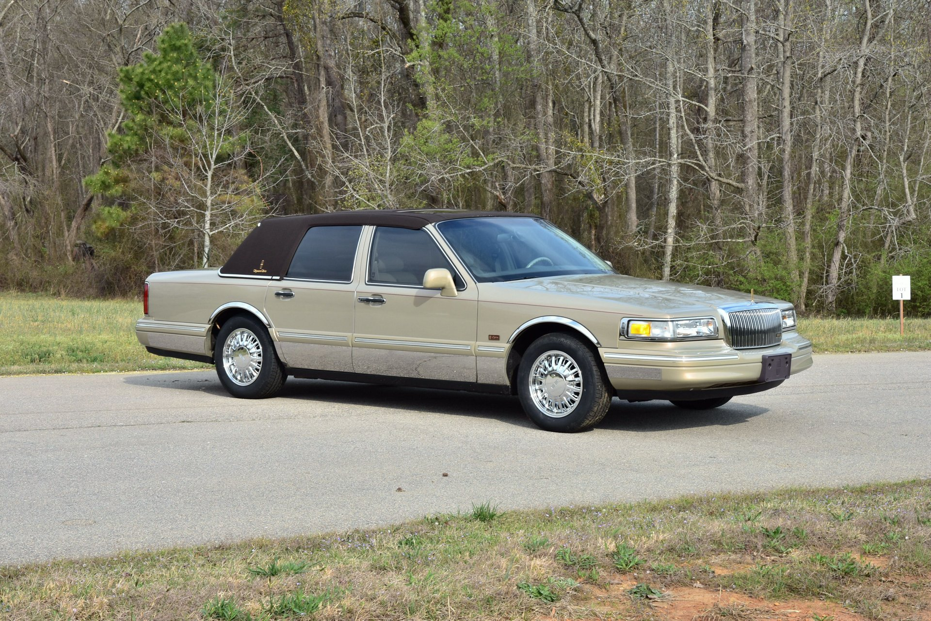 Auction 1996 Lincoln Town Car