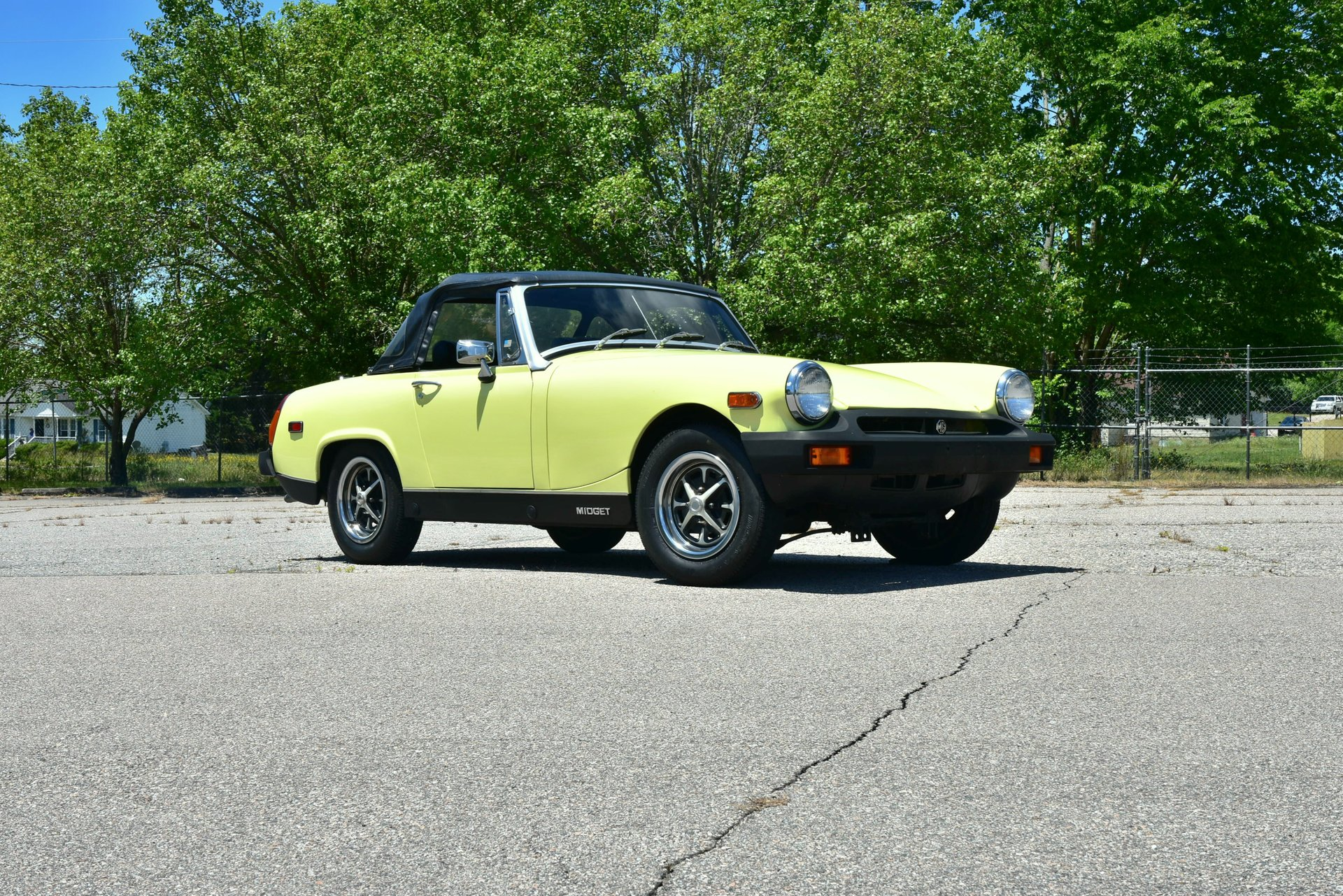 Auction 1976 MG Midget