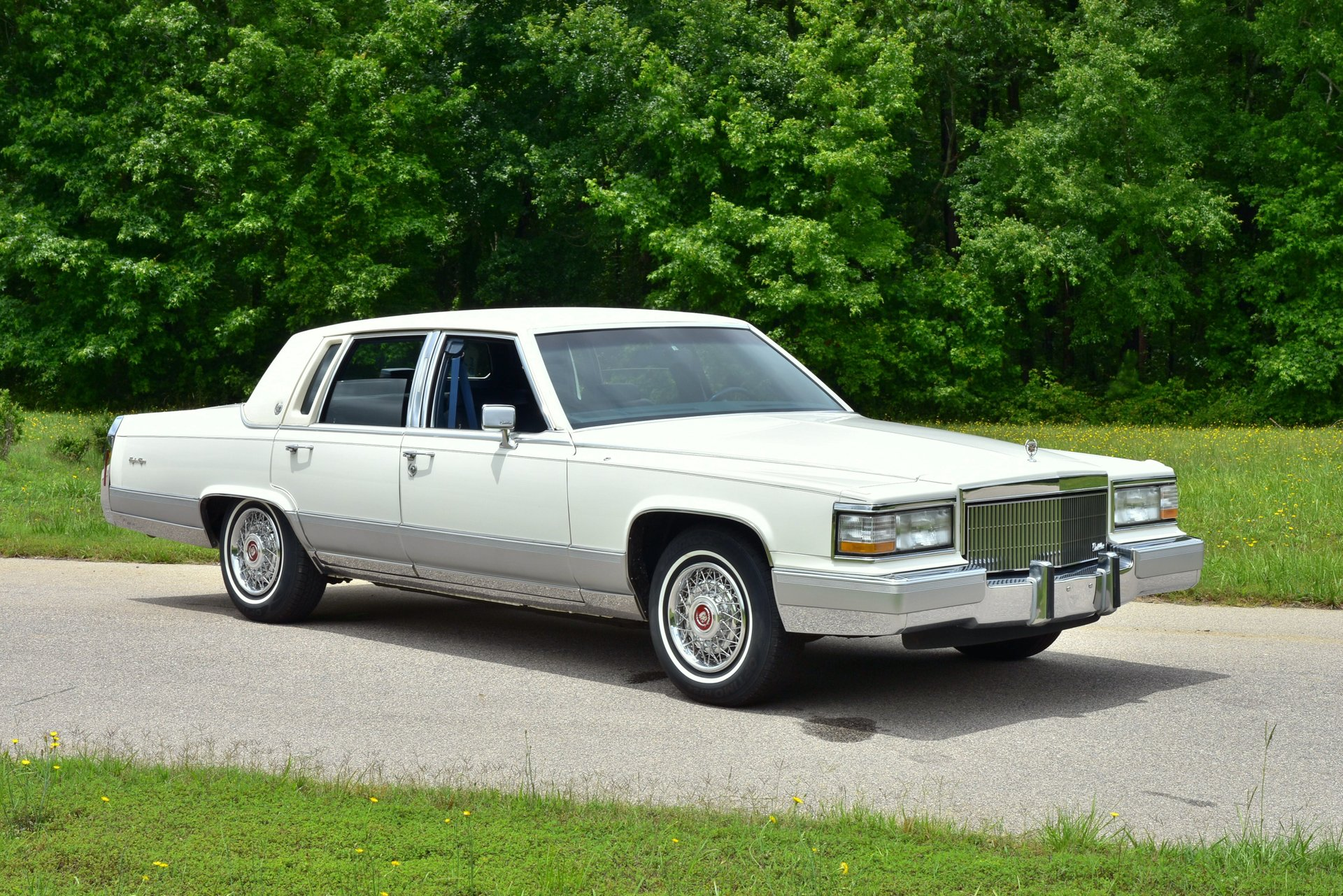 Auction 1992 Cadillac Brougham