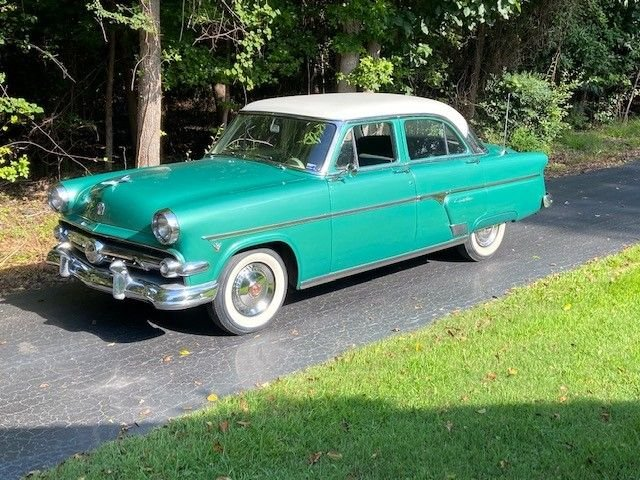 Auction 1954 Ford Crestline