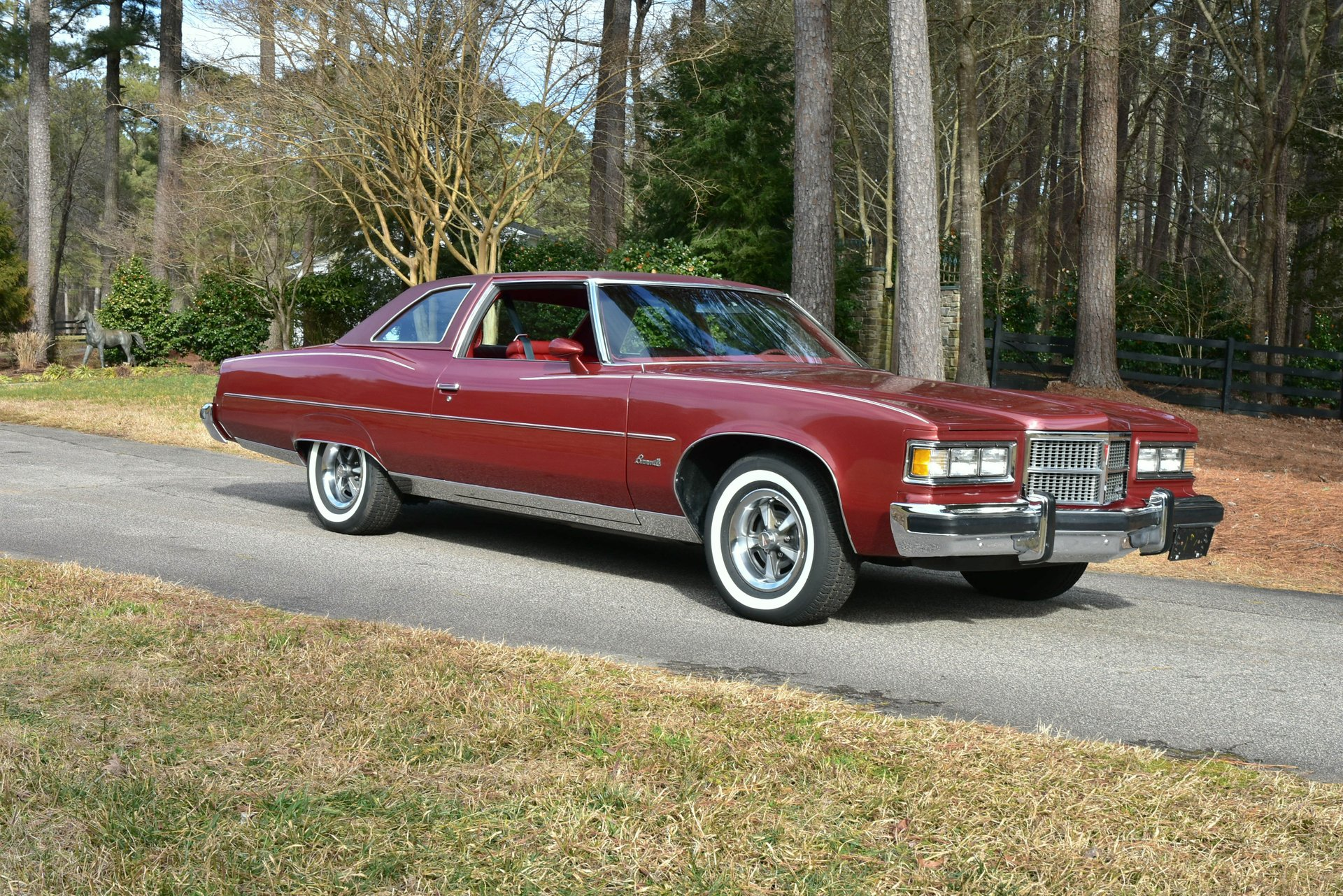 Auction 1975 Pontiac Bonneville