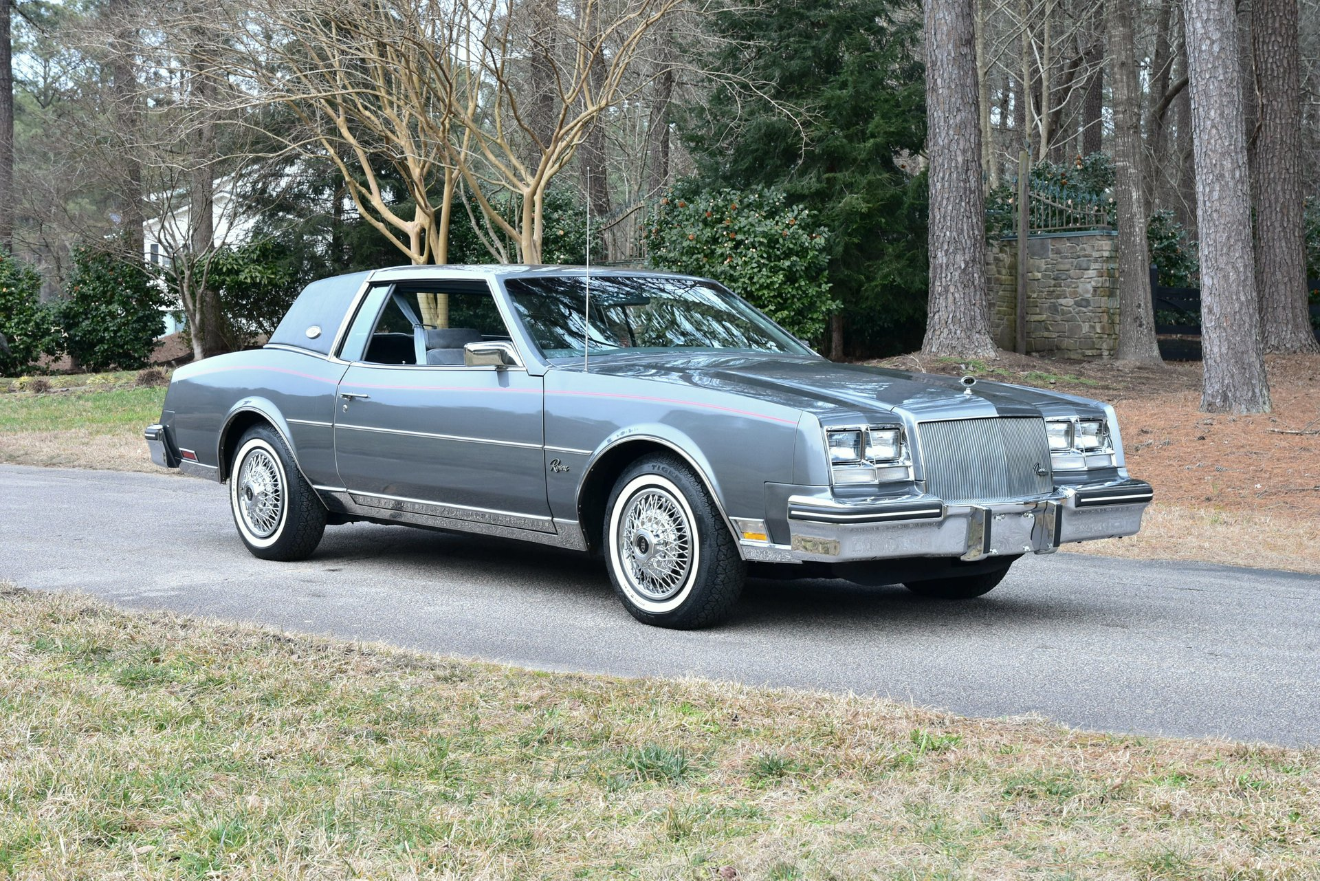 Auction 1985 Buick Riviera