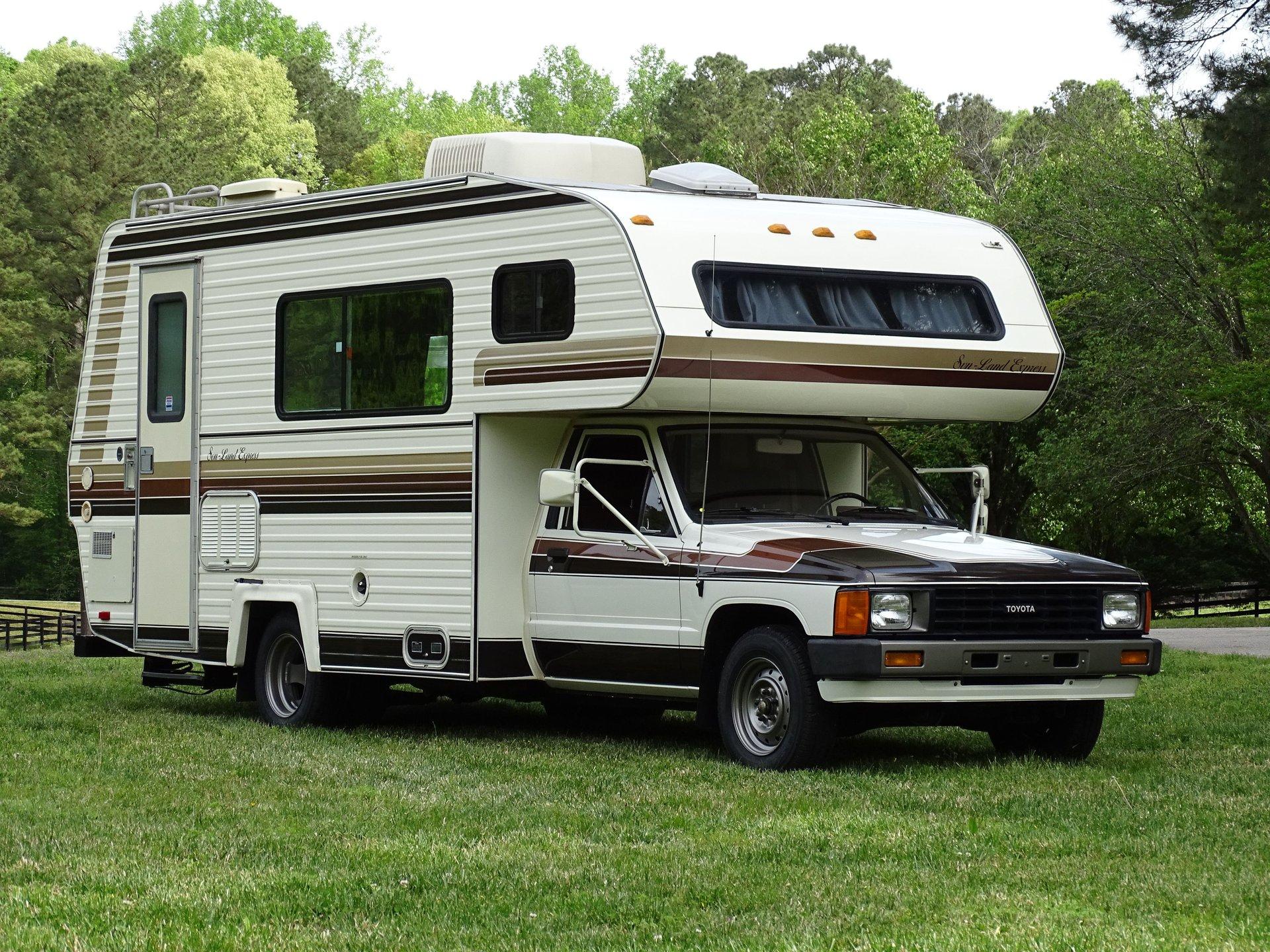 1985 toyota sunland express camper
