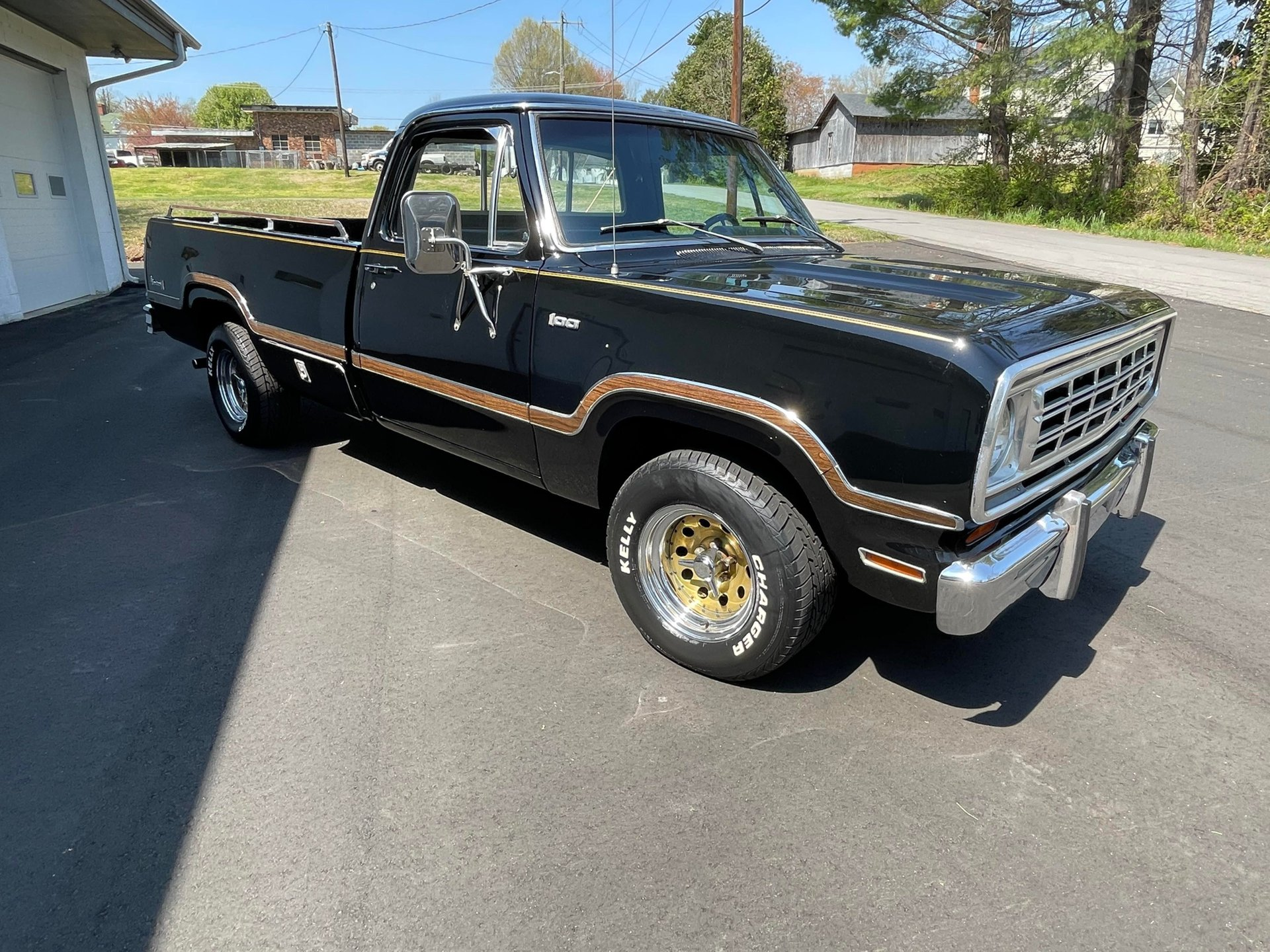 Auction 1974 Dodge D100
