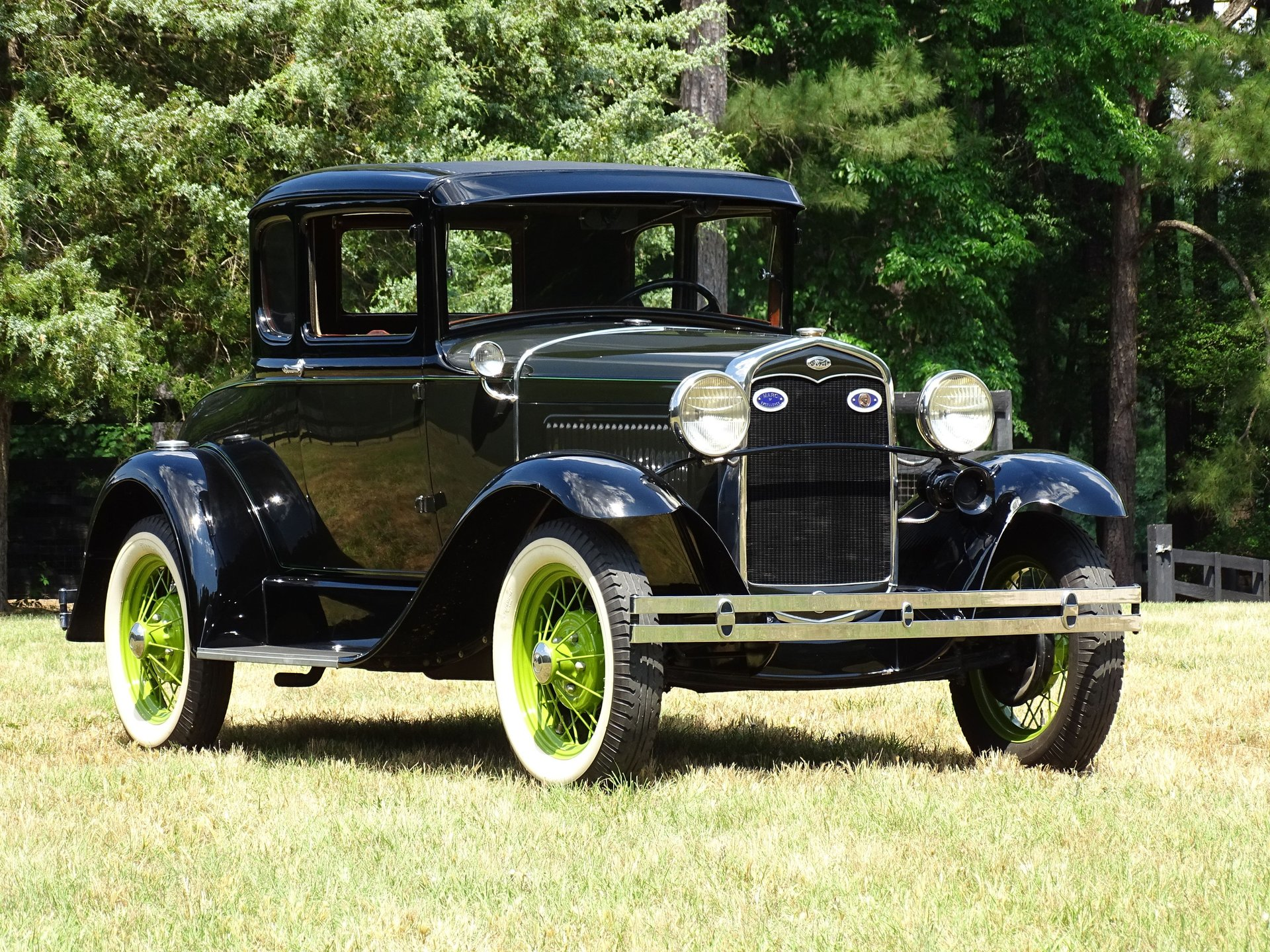 1931 ford coupe deluxe
